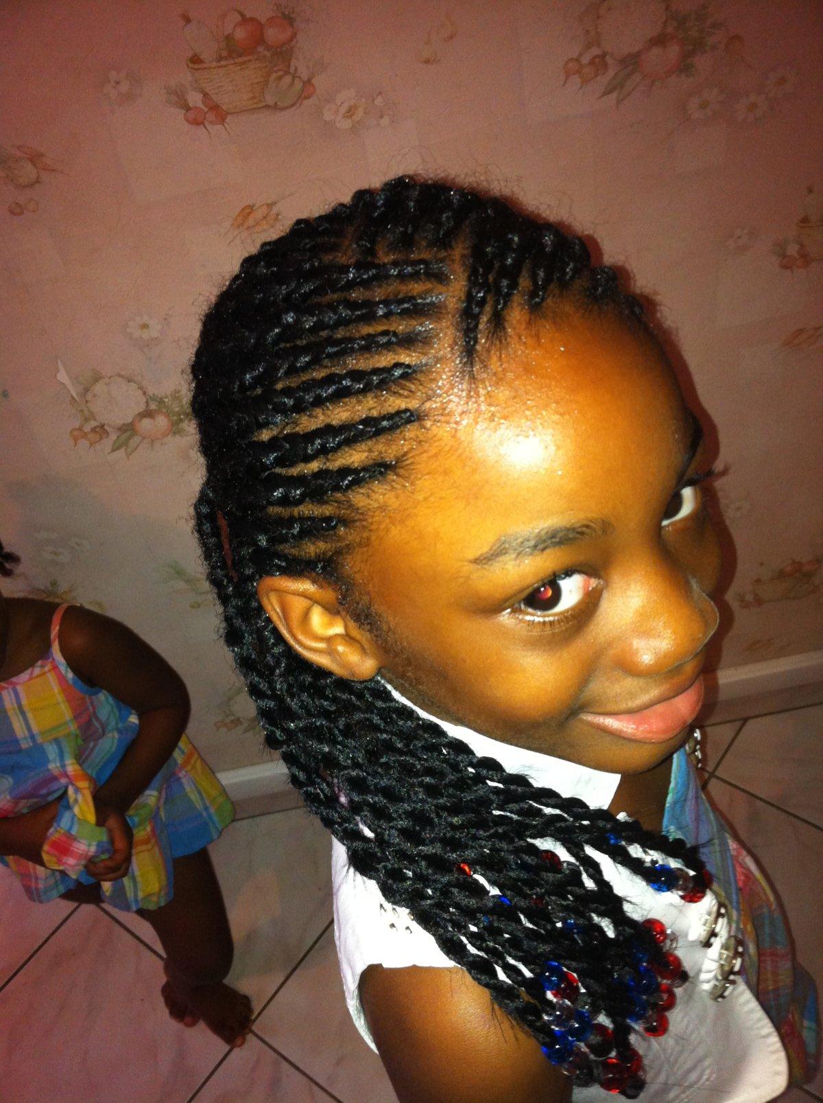coiffure enfant id es coiffure afro tresses vanille. Black Bedroom Furniture Sets. Home Design Ideas
